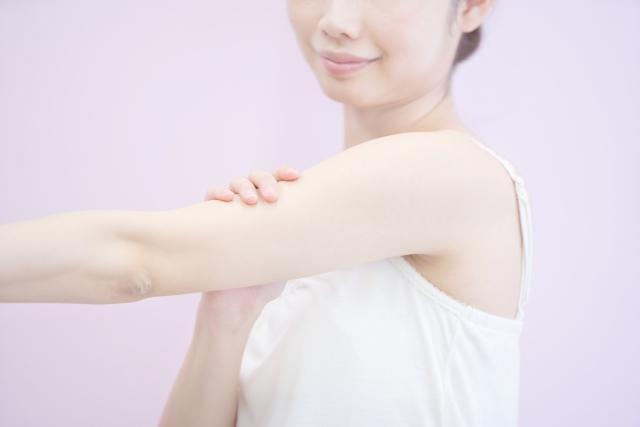 ニの腕ブツブツ・ニキビ対策におすすめ「薬用ジェルクリーム ピュアルピエ」